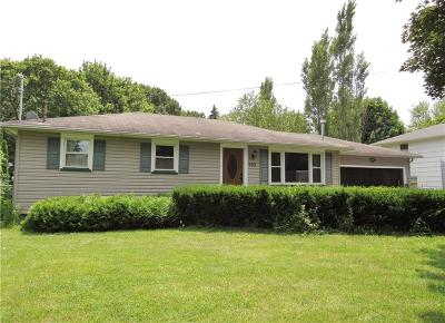 Greece Single Family Home For Sale: 909 Weiland Road