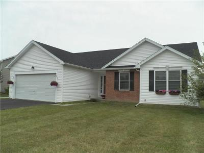 Chili Single Family Home For Sale: 32 Bolton Trail