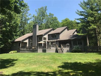 West Bloomfield Single Family Home For Sale: 5 Fox Hollow Lane