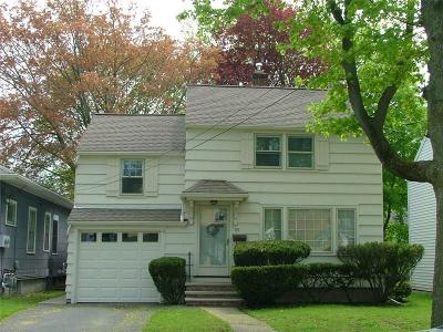 Rochester Single Family Home For Sale: 65 Fort Hill Terrace