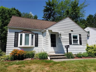 Greece Single Family Home For Sale: 157 Glenbrook Road