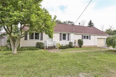 Monroe County Single Family Home For Sale: 37 Wellington Drive
