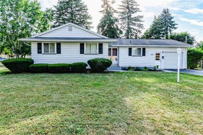 Irondequoit Single Family Home For Sale: 419 Cascade Place