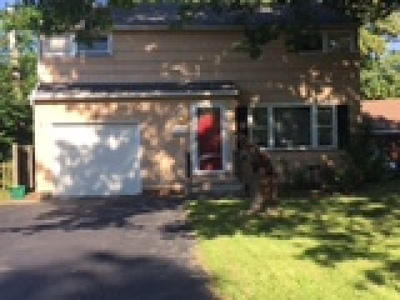 Irondequoit Single Family Home For Sale: 25 Stonehenge Road