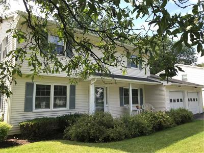 Canandaigua-City Single Family Home For Sale: 111 Holiday Lane