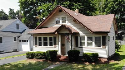 Irondequoit Single Family Home For Sale: 78 Hedgegarth Drive