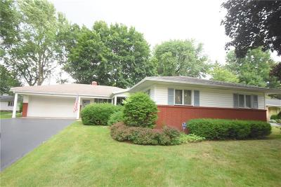 Monroe County Single Family Home For Sale: 33 N Hollow Road