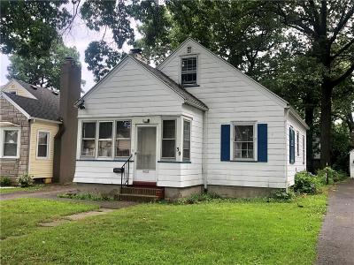 Single Family Home Pending: 39 Swansea Park