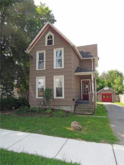 Batavia-City NY Single Family Home For Sale: $72,000