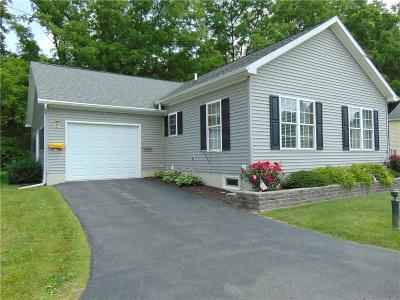Single Family Home For Sale: 8 Spruce Acres