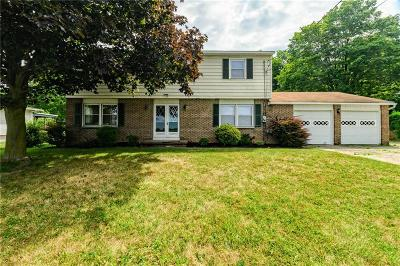 Penfield Single Family Home For Sale: 1728 Fairport Nine Mile Point Road