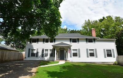Canandaigua-City Single Family Home For Sale: 190 Saint Johns Court