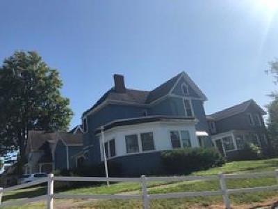 Single Family Home For Sale: 13 Park Pl