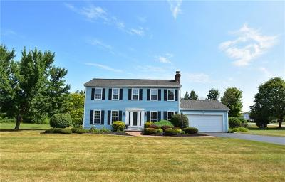 Monroe County Single Family Home For Sale: 12 Fox Hill Drive