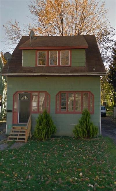 Rochester Single Family Home For Sale: 135 Keller Street