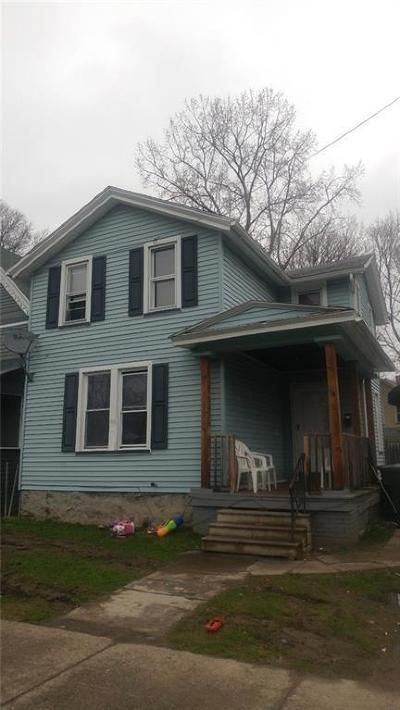 Rochester Single Family Home For Sale: 18 Gladstone Street