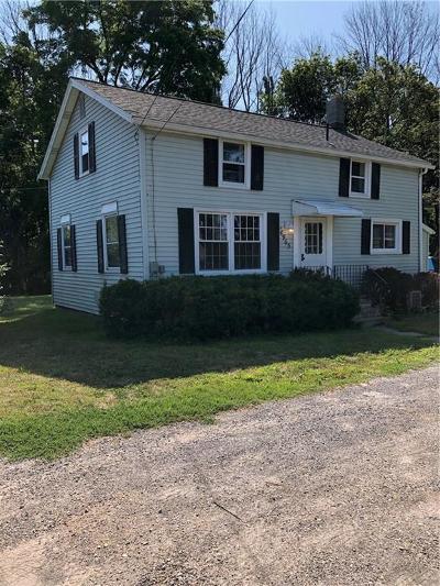 Parma Single Family Home For Sale: 4965 W Ridge Road