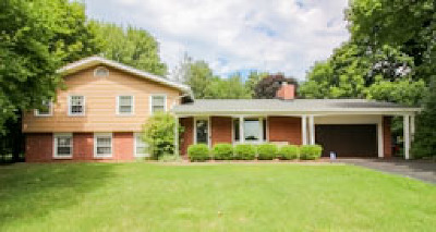 Monroe County Single Family Home For Sale: 16 Tall Acres Drive