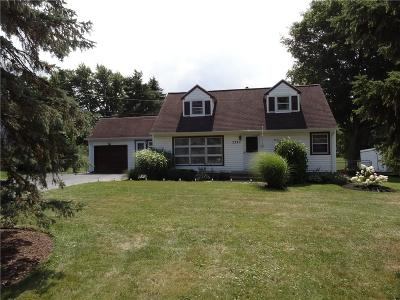Monroe County Single Family Home For Sale: 2391 Spencerport Road