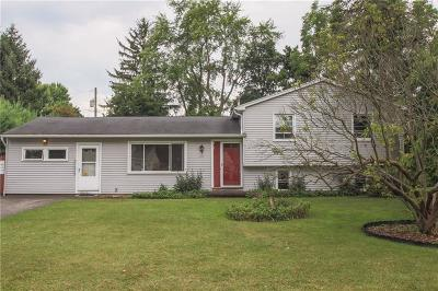 Monroe County Single Family Home For Sale: 15 Erie Drive