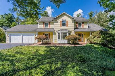 Monroe County Single Family Home For Sale: 19 Wood Stone Rise