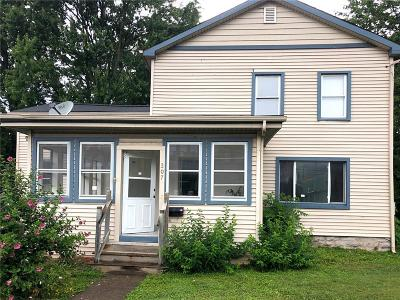 Waterloo Single Family Home For Sale: 307 E Main Street