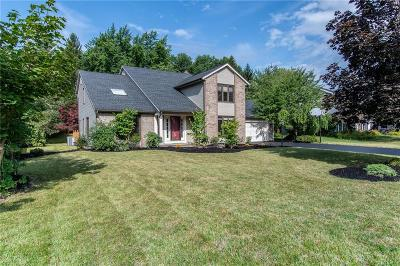 Pittsford Single Family Home For Sale: 57 Caversham Woods