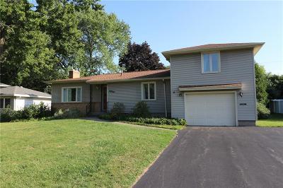 Monroe County Single Family Home For Sale: 44 Maywood Drive