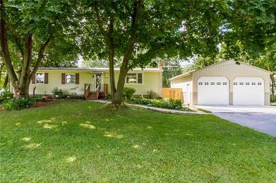 Orleans County Single Family Home For Sale: 4242 Hindsburg Road