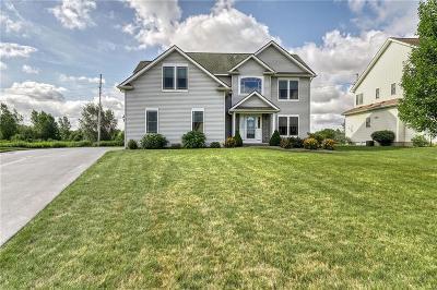 Monroe County Single Family Home For Sale: 1040 Pondbrook Pt