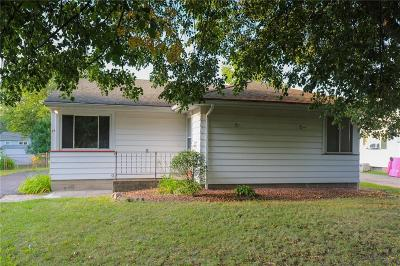 Monroe County Single Family Home For Sale: 34 Lansing Circle
