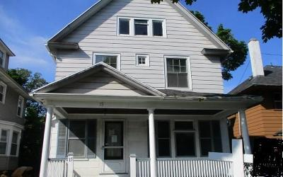 Rochester Single Family Home For Sale: 15 Beach Street