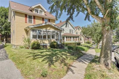Rochester Single Family Home For Sale: 718 Cedarwood Terrace