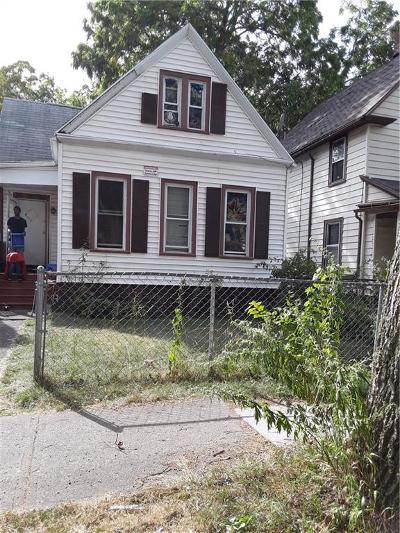 Rochester Single Family Home For Sale: 3 Kenmore Street