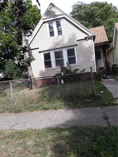 Rochester Single Family Home For Sale: 6 Kenmore Street
