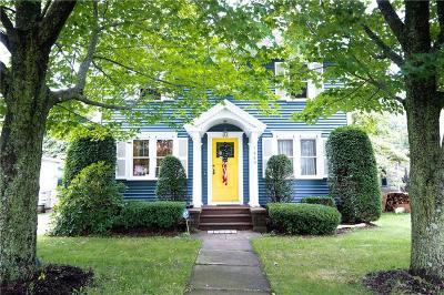 Monroe County Single Family Home For Sale: 1449 Ridge Road