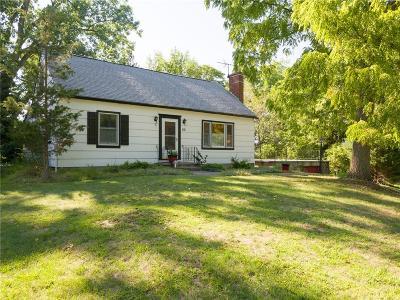 Rochester Single Family Home For Sale: 55 Oakmount Drive