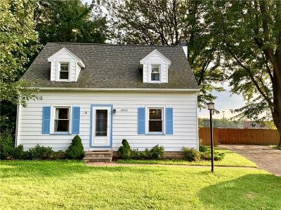 Henrietta Single Family Home For Sale: 1855 Lehigh Station Road