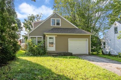 Rochester Single Family Home Active Under Contract: 126 Lake Breeze Road