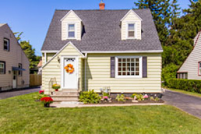 Rochester Single Family Home For Sale: 88 Winfield Road