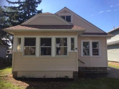 Rochester Single Family Home For Sale: 18 Castleford Road