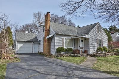 Rochester Single Family Home For Sale: 258 Colebrook Drive