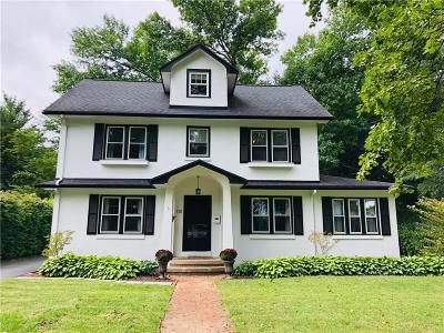 Rochester Single Family Home For Sale: 113 Stoneleigh Court