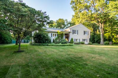 Rochester Single Family Home For Sale: 637 Oakridge Drive