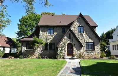 Rochester Single Family Home For Sale: 22 Rhinecliff Drive