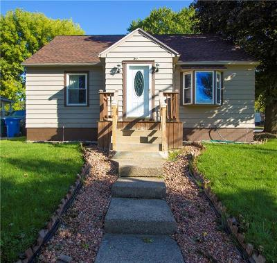 Rochester Single Family Home For Sale: 98 Traver Circle