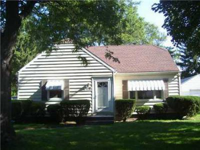 Single Family Home Sold: 509 Locust Ln