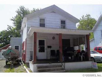 Waterloo NY Single Family Home For Sale: $65,900
