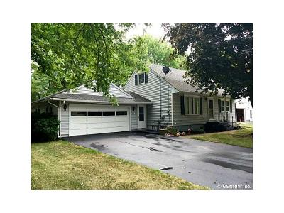 East Bloomfield NY Single Family Home A-Active: $144,900