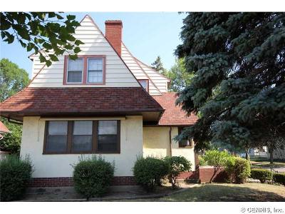 Rochester Single Family Home A-Active: 942 West Ridge Road